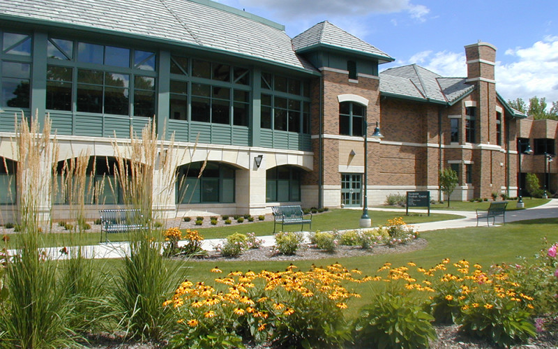Saemann Student Center