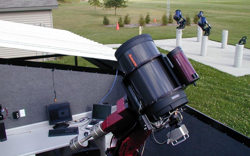 Telescope at Wartburg's Platte Observatory