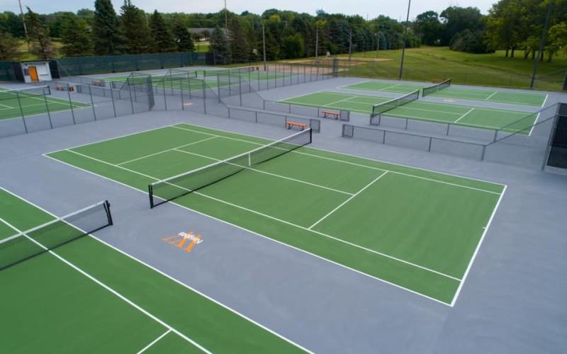 Wartburg tennis courts