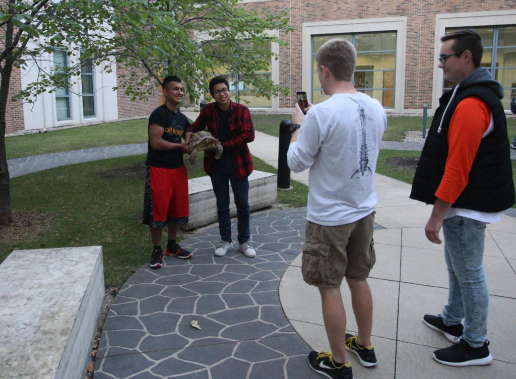 Al Exito Hispanic program in Wartburg's Spanish department, photo courtesy of W-CF Courier