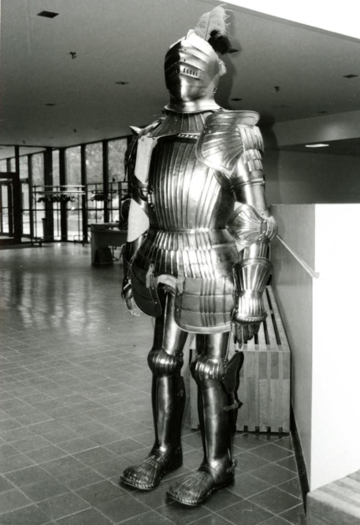 Knight History: Knight armor